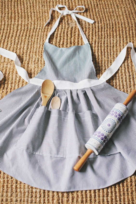 Wednesday Wish List: Apron Love Affair || Town Lifestyle + Design || Getting into the baking spirit with a new apron, who said they couldn't be a fashion statement?