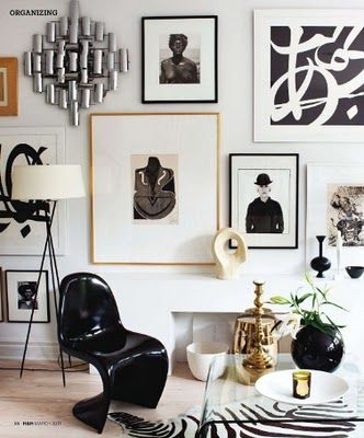 9 Ways to Fill a Blank Wall || Town Lifestyle + Design || Have a large stubborn wall you cant seem to fill? Here are 9 different ways to fill the space.